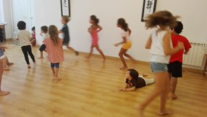 Moviment i dansa creativa infantil